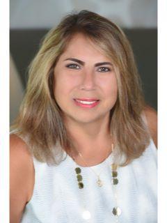 Lorena Escobar Photo