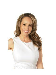 Nikki Nunez of Utah Best Real Estate Team Photo
