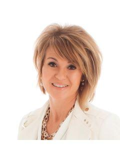 Candee Deichman of CENTURY 21 Atwood photo