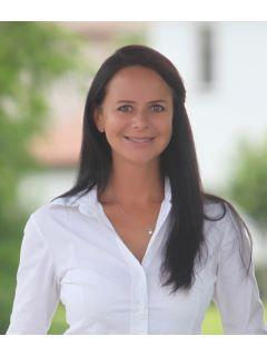 Nadia Eggers