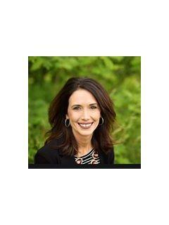 Kasey Livingston of CENTURY 21 Property Professionals