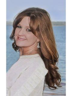 Kelly Hamlin of CENTURY 21 Commander Realty, Inc. photo
