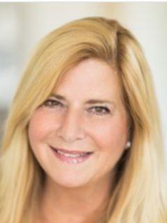 Karen Betancourt