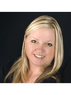Lynette Williamson of CENTURY 21 Signature Real Estate