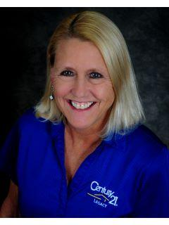 Gwen Lilley of CENTURY 21 Legacy photo
