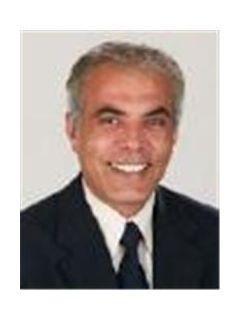 Mike Abedi of CENTURY 21 Award