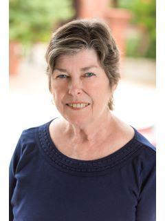 Elaine Reagan of CENTURY 21 Saltwater Property Group