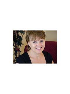 Luanne McGann of CENTURY 21 Full Service Realty