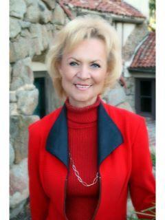 Karen Clendenen of CENTURY 21 Award