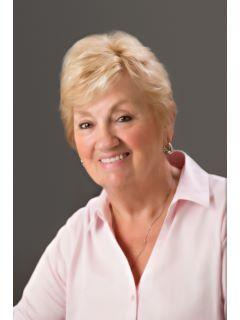 Helen Ellis of CENTURY 21 Scheetz photo