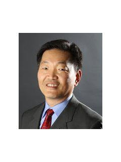 Steve Hwang of CENTURY 21 Amber Realty Inc. photo
