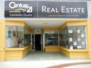 CENTURY 21 Looking Glass
